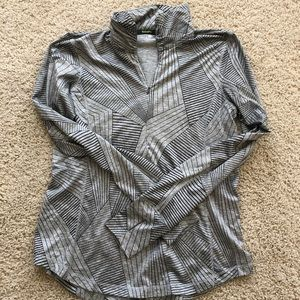 Brooks running top